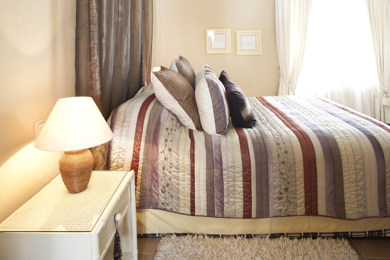 villa bedroom ronda