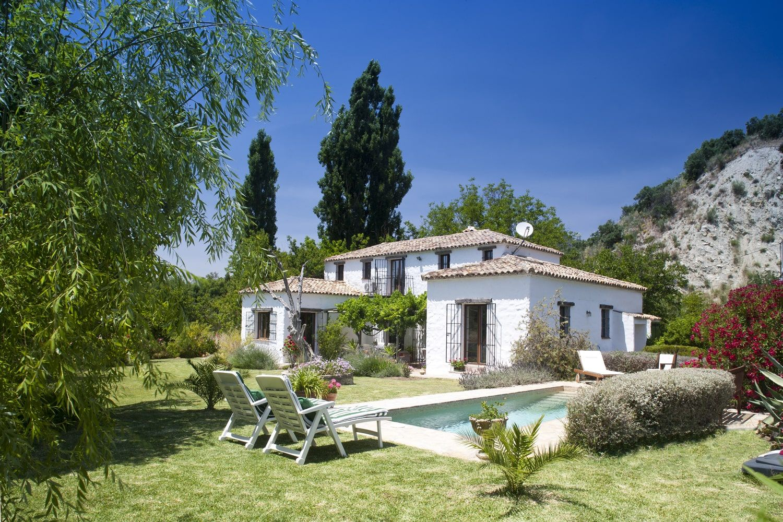 andalucia villa near lake