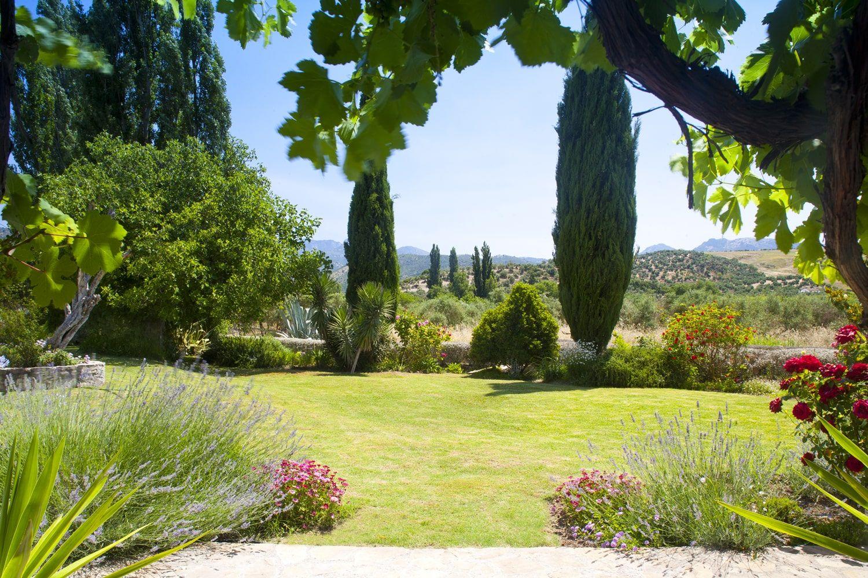 villa garden with view