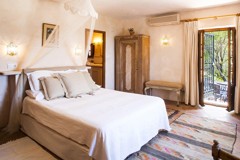 bedroom en suite gaucin