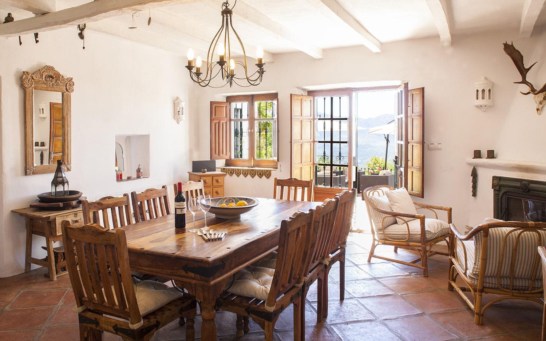 dining area villa andalucia