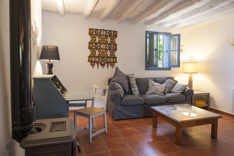 sitting room villa to rent