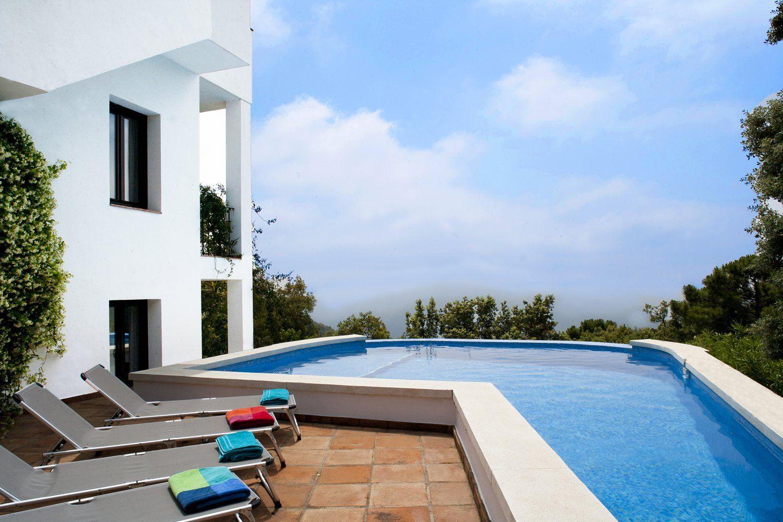 swimming pool and gaucin views