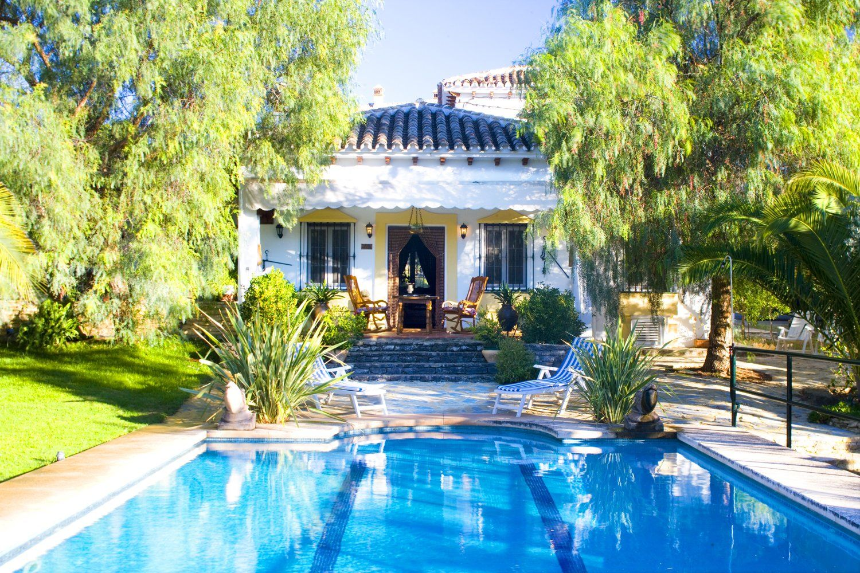 facade villa ronda