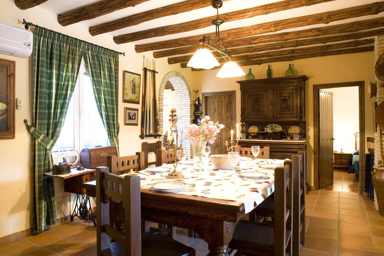 dining area villa ronda