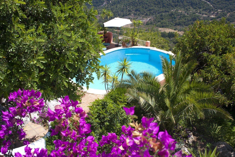 garden gaucin villa