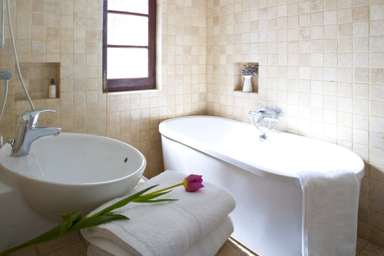 bathroom andalucia