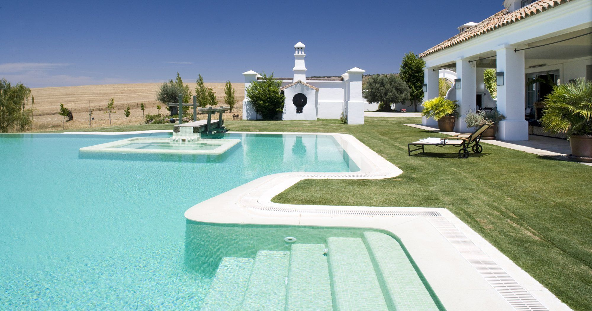 luxury villa swimming pool ronda andalucia