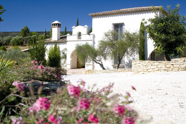 facade villa andalucia