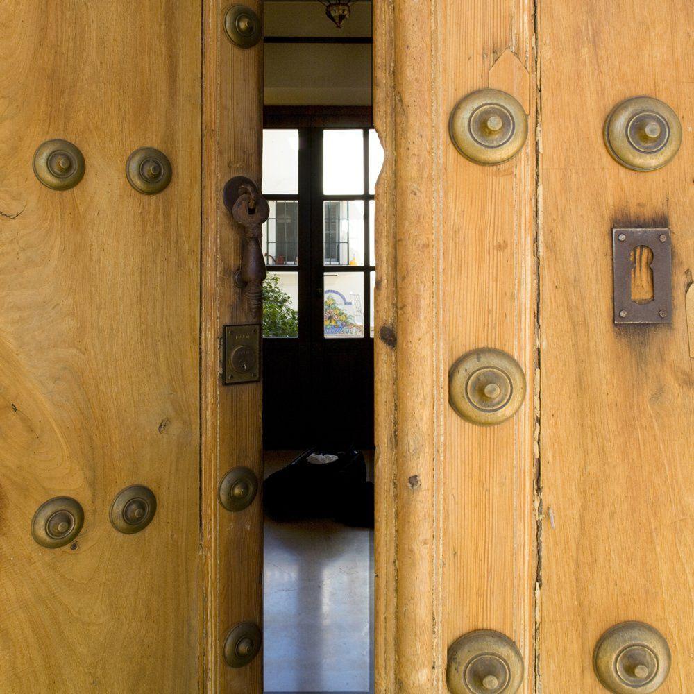 front door villa andlaucia