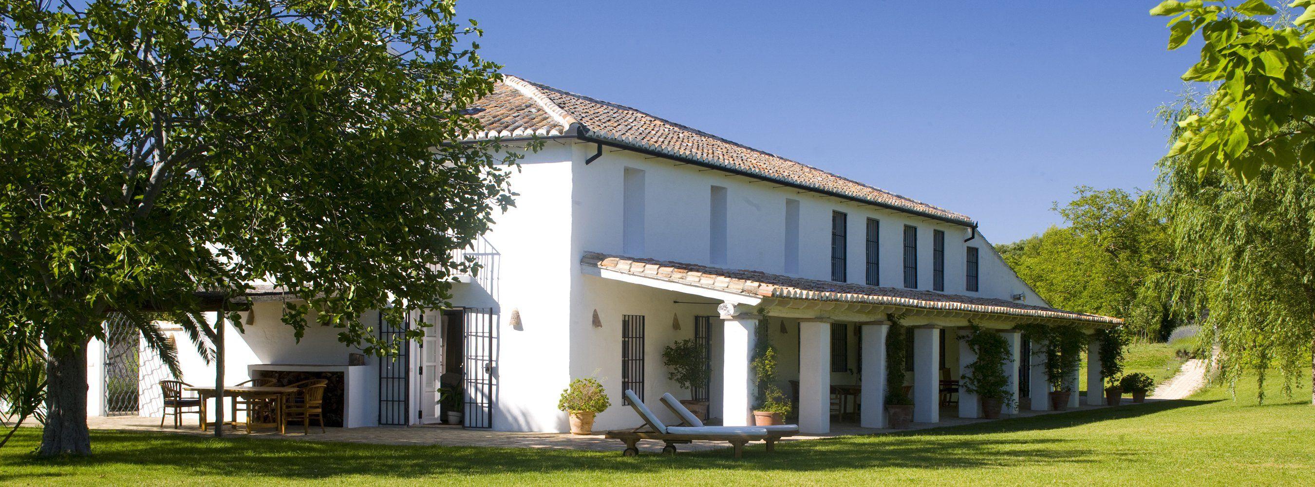 luxury villa rental  facade
