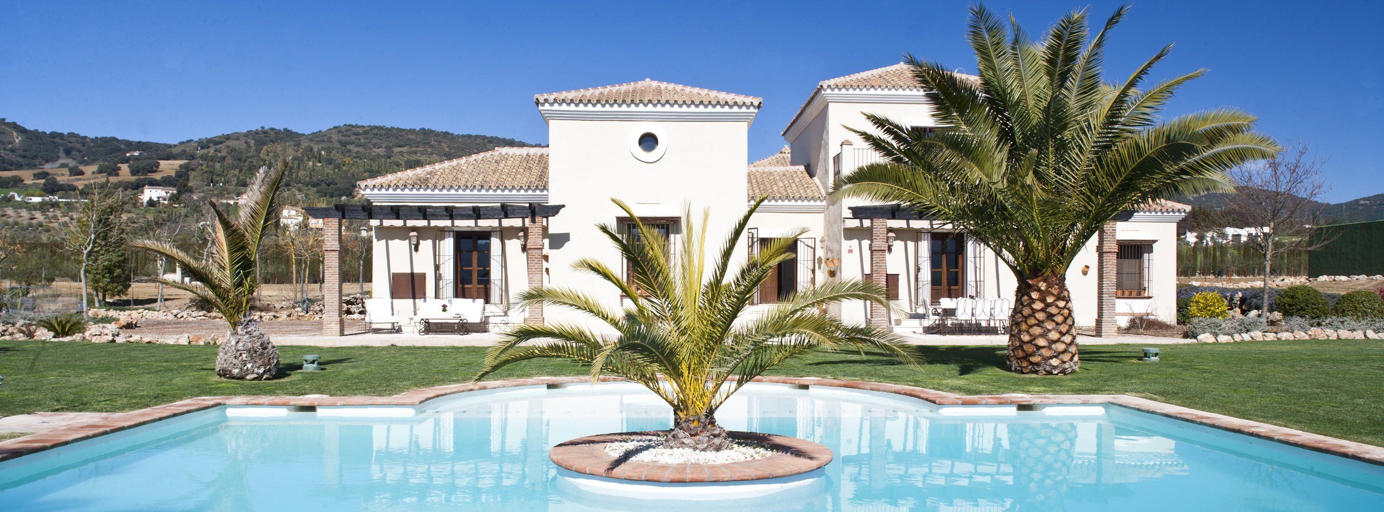 luxury villa and pool ronda