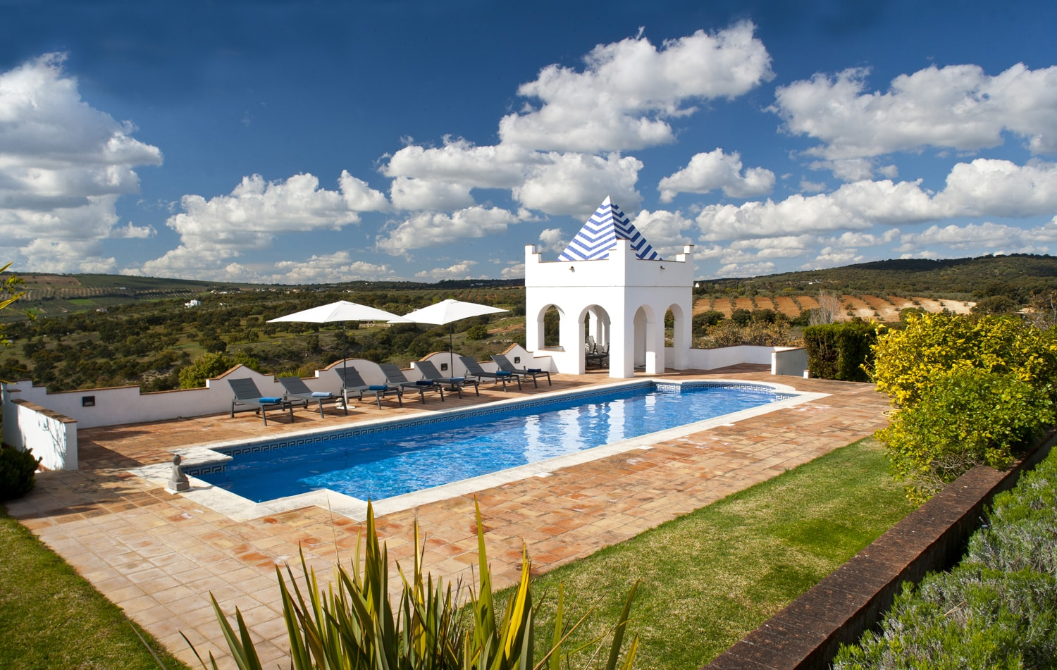 swimming pool villa spain