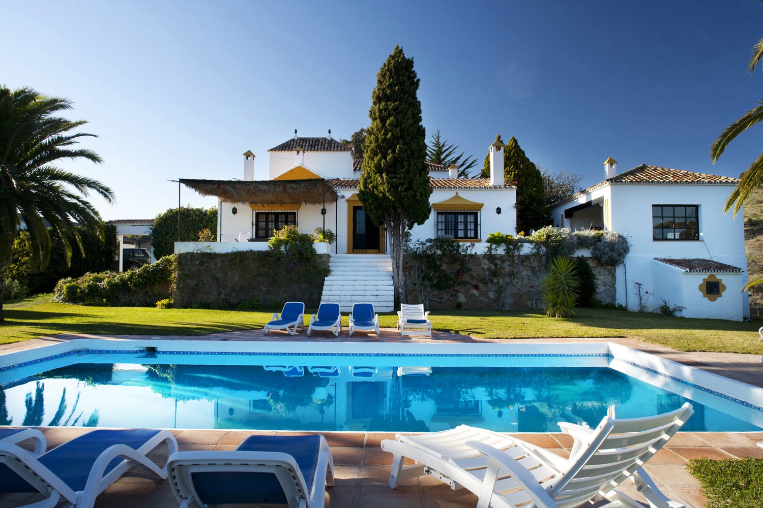 holiday villa rental in spain