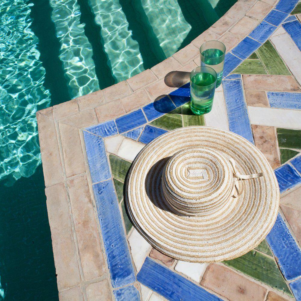 detail swimming pool
